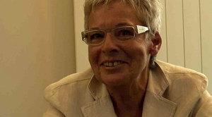La ex direttrice chiamate d'emergenza, Croce Rossa di Zurigo Magi Pfister conosce le necessità delle persone anziane.