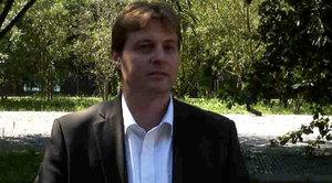 Christian Müller - Direttore di Motcom - presenta i campi d'applicazione di Limmex nell'ambito professionale.